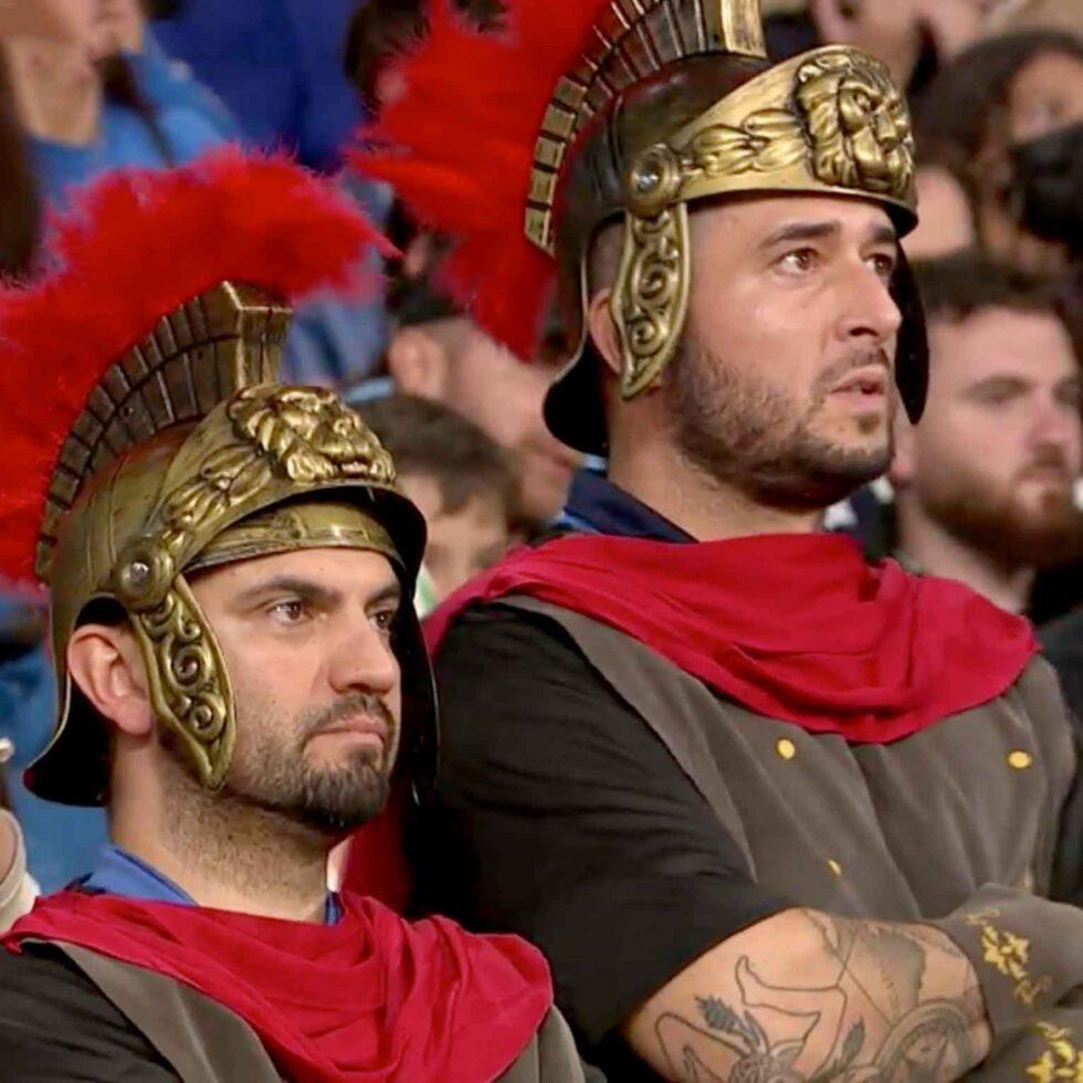 aficionados italianos disfrazados romanos